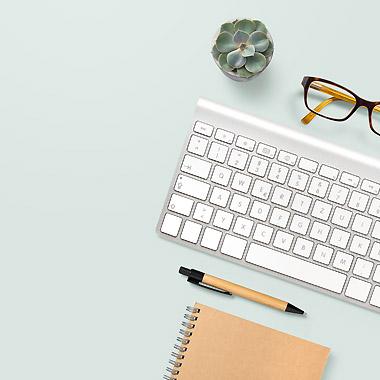 Schreibtisch - Sonja Fröse, Fachbuch-Autorin für Pflege, Berlin - Pflege-Blog, Pflege-Ratgeber, Pflege-Tipps