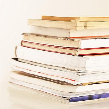 Bücherstapel - Sonja Fröse, Fachbuch-Autorin für Pflege, Berlin - Pflege-Literatur, Pflege-Fachbuch, Pflegeberatung, Qualitätsmanagement